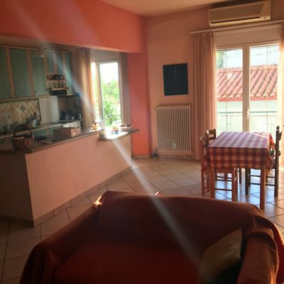 Πωλείται διαμέρισμα 98τ.μ, περιφερειακά του Άγιου Λουκά.