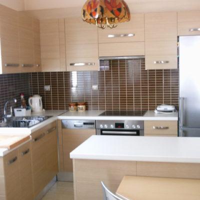 Πωλείται οροφοδιαμέρισμα 145τμ, στο κέντρο της Λαμίας.