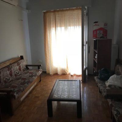 Ενοικιάζεται επιπλωμένο διαμέρισμα, πλησίον κέντρου.