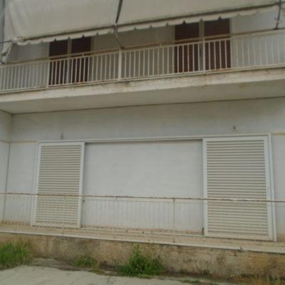 Πωλείται διώροφη μονοκατοικία, στη περιοχή της Άμπλιανης.