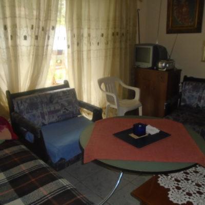Πωλείται επιπλωμένο δυάρι διαμέρισμα, στα Κάμενα Βούρλα.