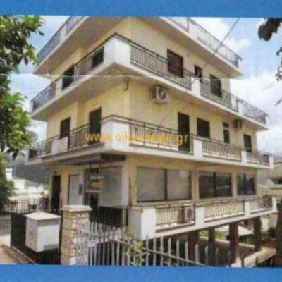 Πωλείται διώροφη μονοκατοικία, στα Γαλανέικα.
