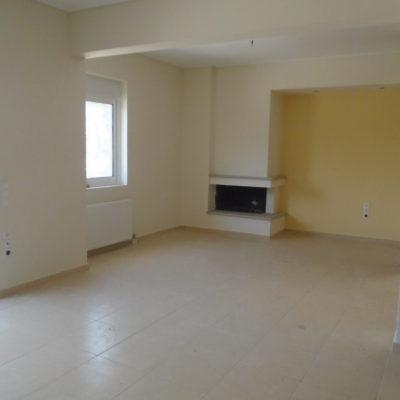 Πωλείται τεσσάρι διαμέρισμα, στα Γαλανέικα.