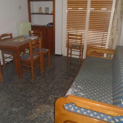 Πωλείται δυάρι διαμέρισμα, στο κέντρο.