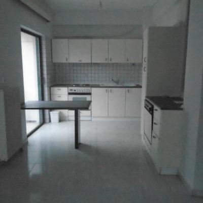 Ενοικιάζεται γωνιακό διαμέρισμα, πλησίον οδού Κύπρου.