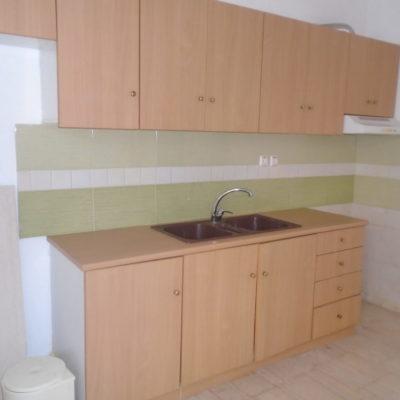 Πωλείται ισόγειο διαμέρισμα, στην περιοχή της Κύπρου.