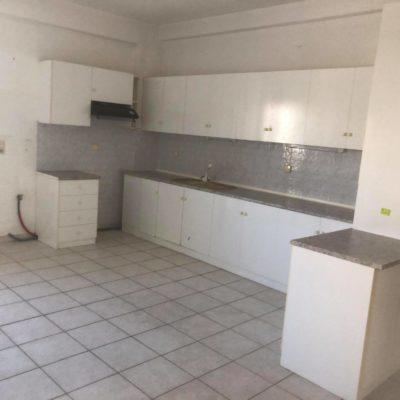 Πωλείται τεσσάρι διαμέρισμα, πλησίον οδού Κύπρου.