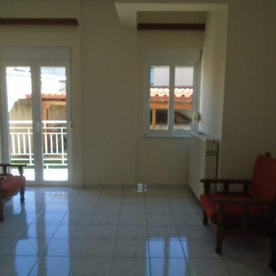 Ενοικιάζεται ισόγειο διαμέρισμα, στην περιοχή της Άμπλιανης.