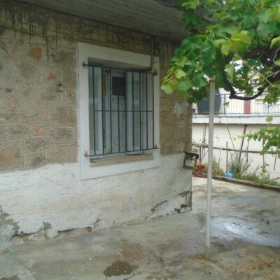 Πωλείται παλαιά μονοκατοικία, στη περιοχή της Άνοιξης.