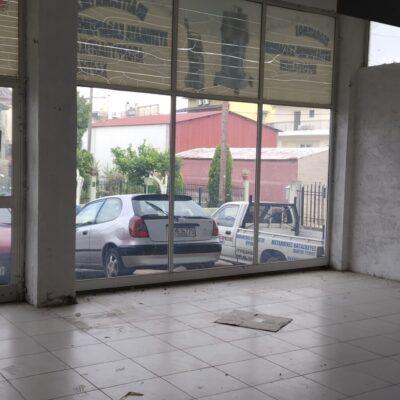 Ενοικιάζεται κατάστημα, στα Καλύβια.
