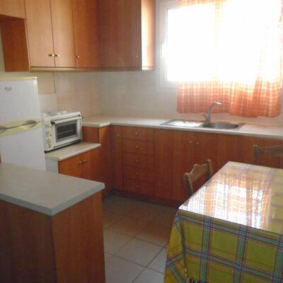 Ενοικιάζεται επιπλωμένο δυάρι διαμέρισμα, επί της οδού Κύπρου.