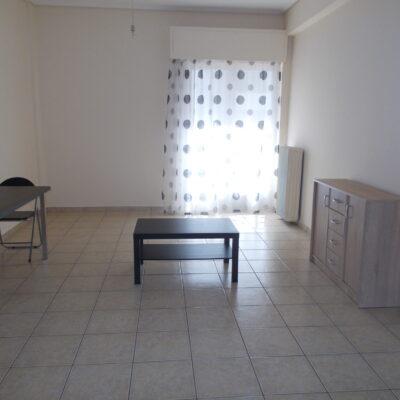 Ενοικιάζεται επιπλωμένο δυάρι διαμέρισμα, στο κέντρο της πόλης.