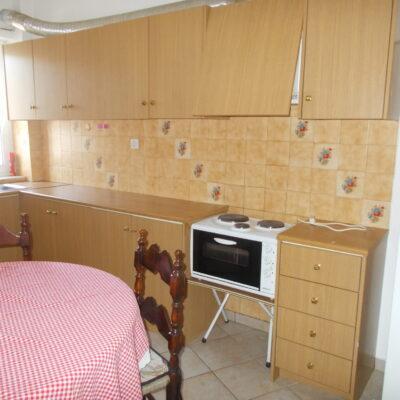 Ενοικιάζεται επιπλωμένο δυάρι διαμέρισμα, στα Γαλανέικα.