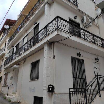 Πωλείται μονοκατοικία, στο κέντρο της πόλης.
